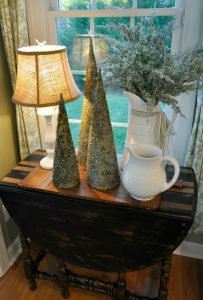 Christmas Home Tour 2016 – Kitchen, Foyer and a Feature